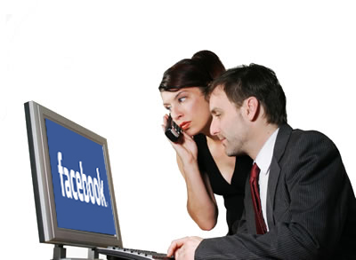business-people-using-facebook