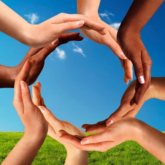 hands_diversity-580x580
