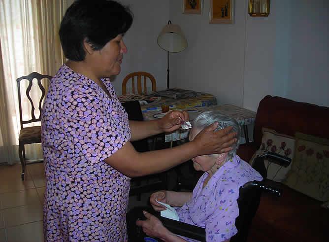 Cuidadora-ancianos