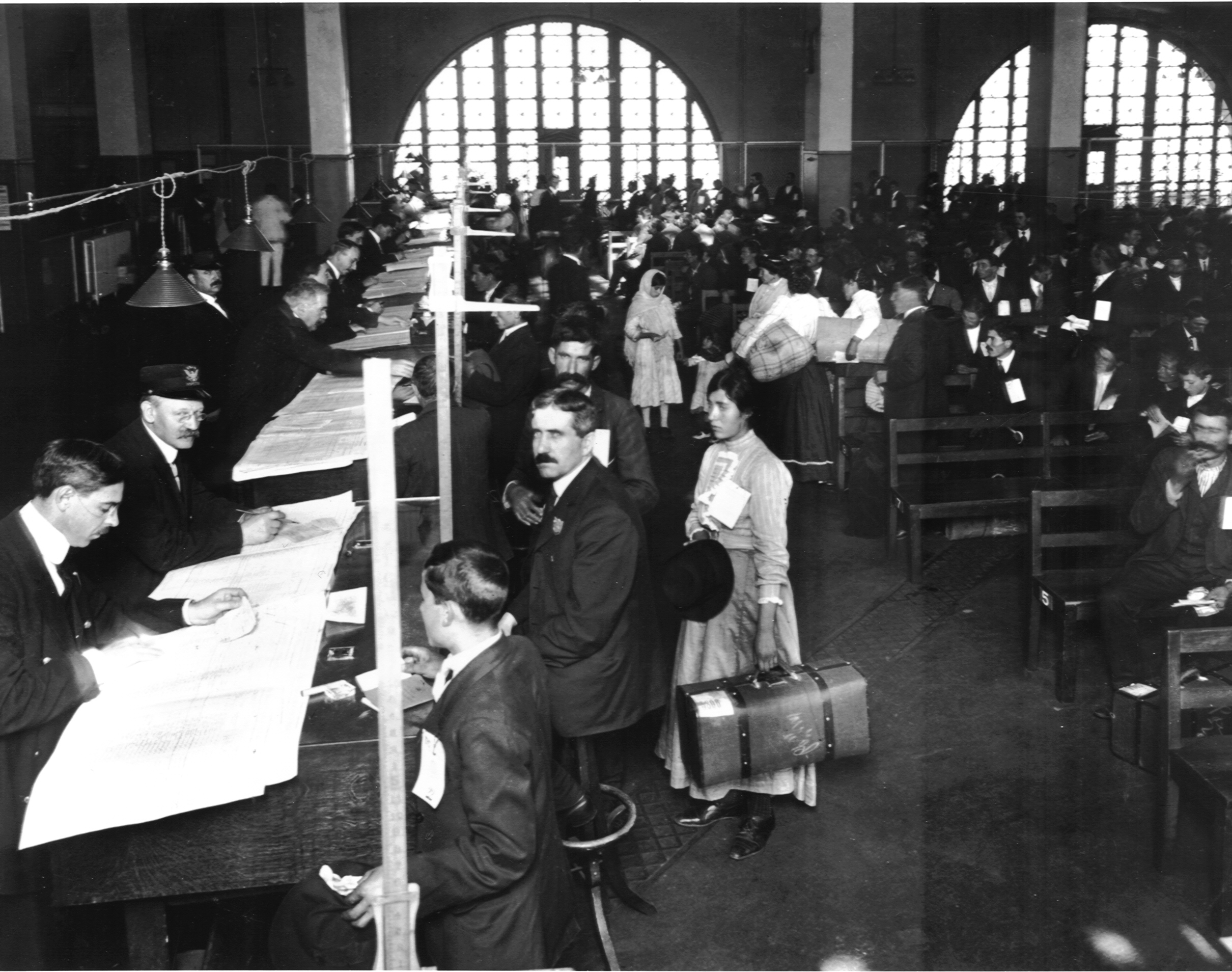 an overview of the korean immigrant experience in america from 1903 to 1924 Korean american immigrants before the world war ii era, the smallest asian community to settle in the united states of america was the korean american community between 1903 and 1905, immigration records show some seven thousand koreans migrated to hawaii.