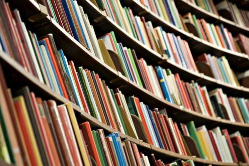 shutterstock_95584771_bookshelf