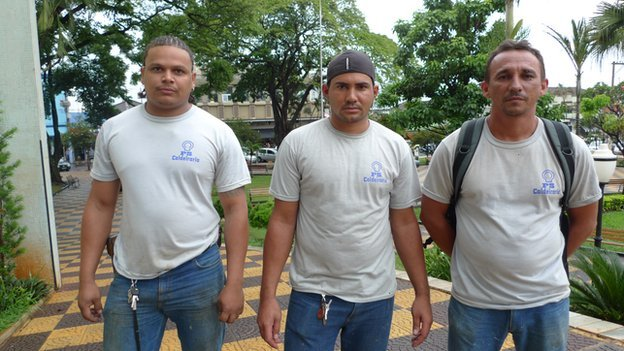 _75624371_workers