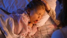 pertussis-whooping-cough-s1-girl-cough-in-bed