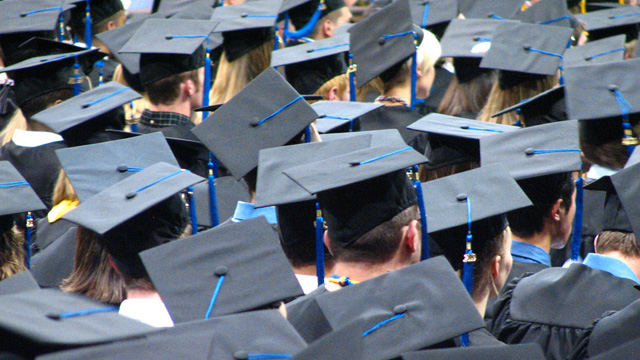 ap_graduation_121203_wmain
