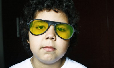 boy_yellow_glasses_1170-770x460
