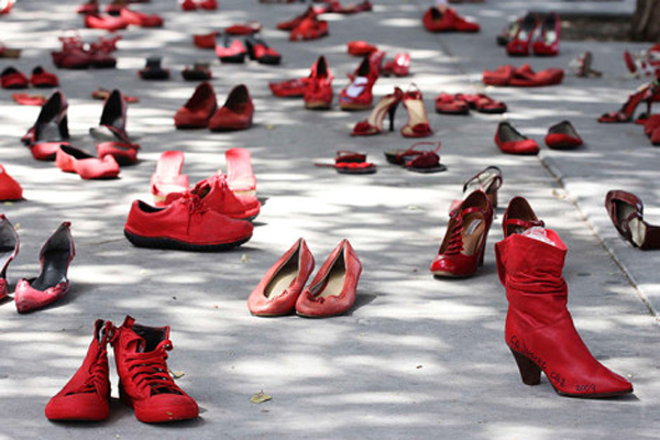 elina-chauvets-red-shoes-007